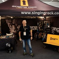 Stand Singing Rock